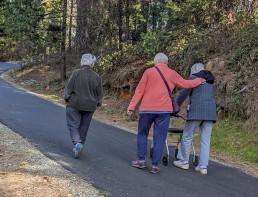 Volunteer Photography Training - Wolf Creek Trail - Senior women with walker hiking - Copyright 2020 HeartWork Photography