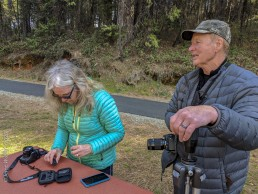 Volunteer Photography Training - Wolf Creek Trail - Smartphone Auxiliary Lens instruction - Sue & Rick - Copyright 2020 HeartWork Photography